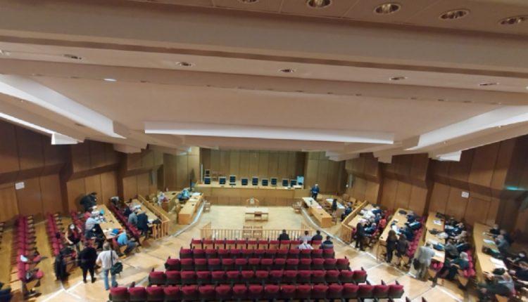 Лидерот на Златна зора и пет пратеници добија по 13 години затворска казна