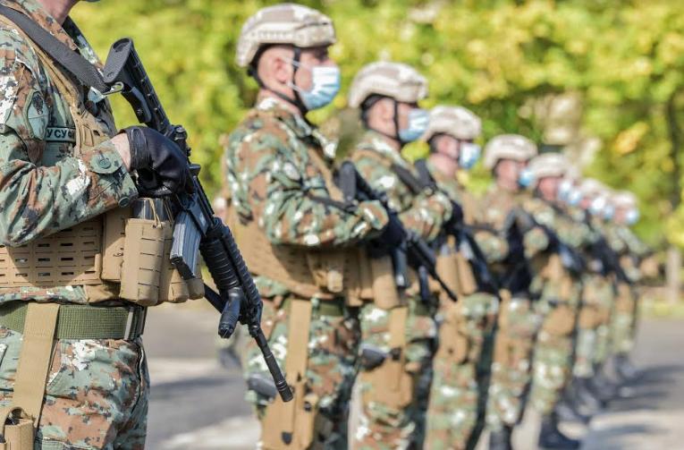 Американска донација на автоматски пушки М-4 за македонската армија