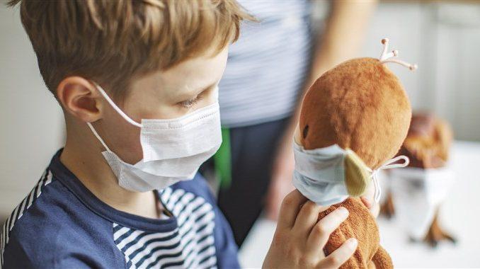 Заштитните маски не се ризични за децата, станува збор за сосем безбедна препорака, смета Филипче