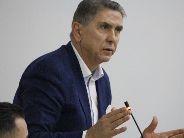 Беџети: Не е време за продавање на државни јавни претпријатија
