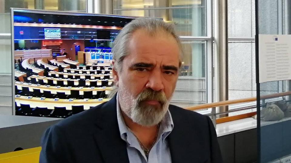Европратеник од партијата на Каракачанов бара најмалку 5 години затвор за новинари кои шират лажни вести