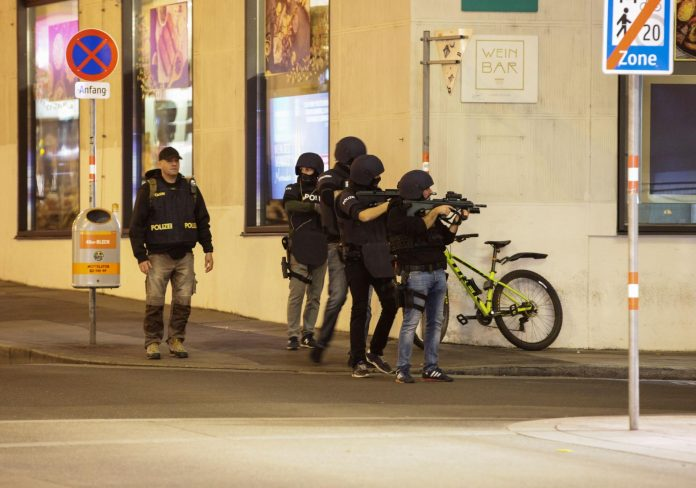 Австриската полиција уапси 30 исламисти