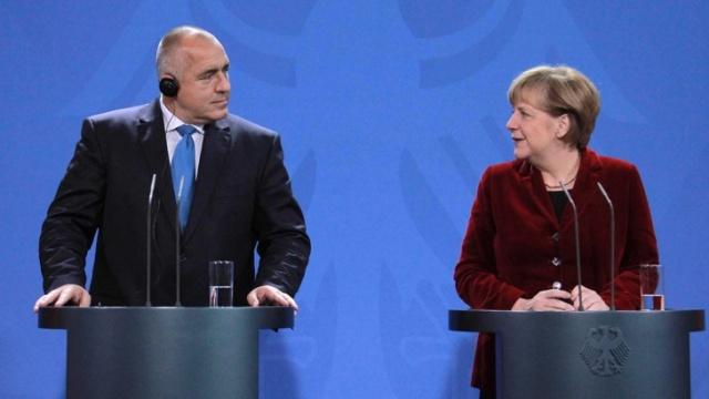 Борисов и Меркел 40 минути разговарале за Македонија