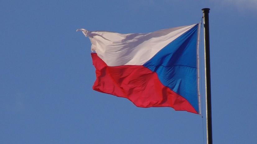 Олабавување на рестриктивните мерки: Чешка го укина полицискиот час