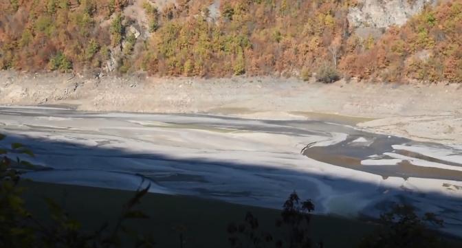 Добри вести: Радика и Црн Дрим почнаа да го полнат Дебарското езеро