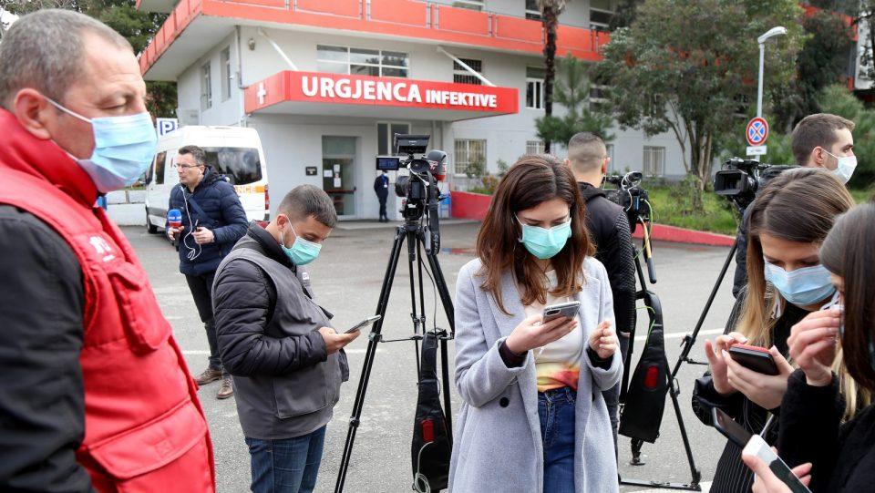 Можно е второ затворање на Албанија поради влошената состојба со пандемијата