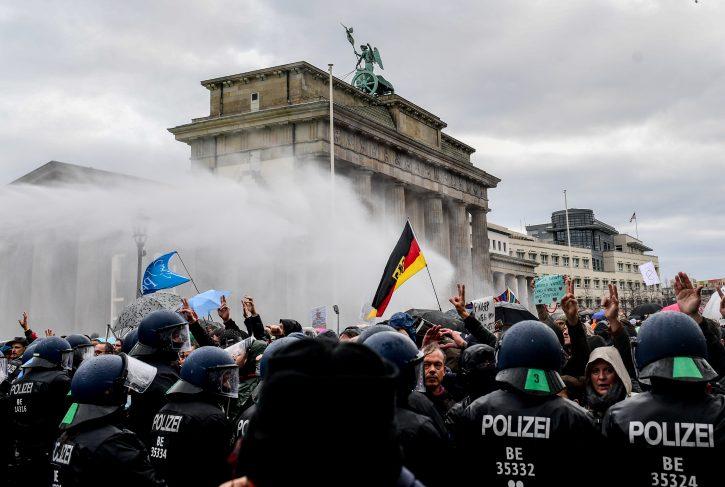 Германија ги усвои спорните измени на Законот за заштита од инфекции