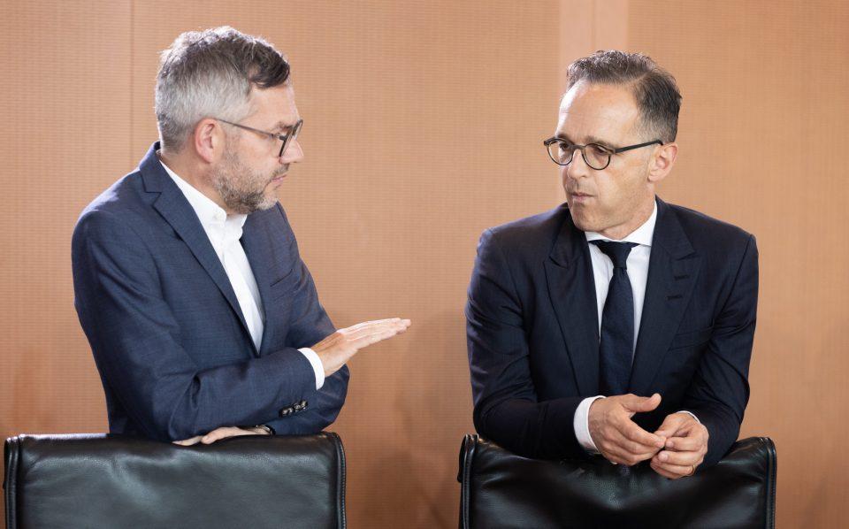 Германските министри Мас и Рот во изолација по средбата со Захариева