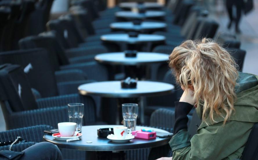 Хрватска од утре до Божиќ ги затвора кафулињата и рестораните