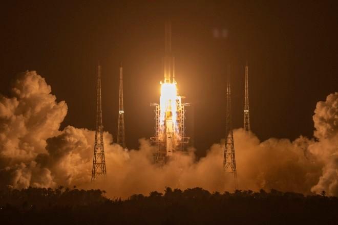 (ВИДЕО) Кина лансираше роботско вселенско летало