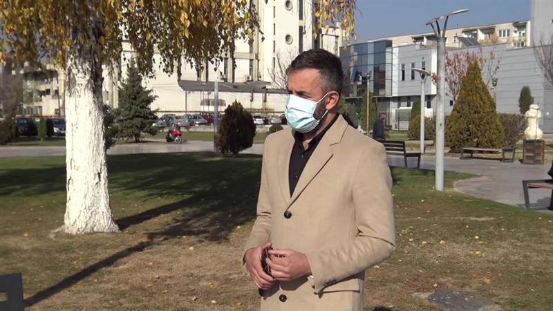 Прилепскиот актер Миленкоски претепан бидејќи укажал дека треба да се носат маски во маркет