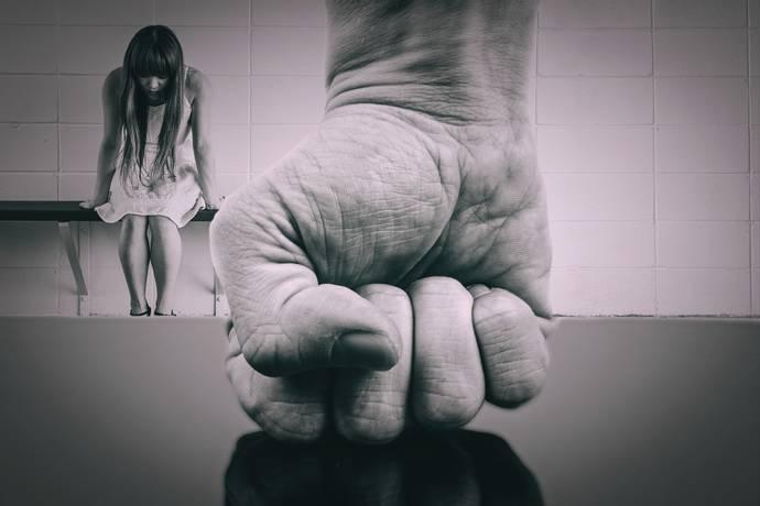 Жена и нејзините две деца жртви на насилство од вонбрачниот партнер