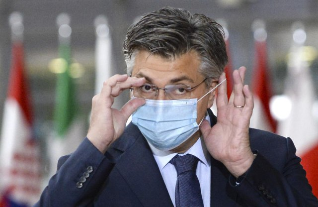 Пленковиќ: Дипломатијата околу вакцините се претвора во киднапирање