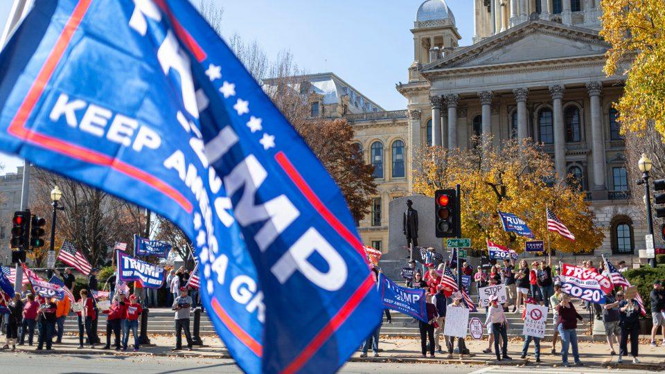 """Приврзаници на Трамп најавија протести во Вашингтон поради """"изборна кражба"""""""