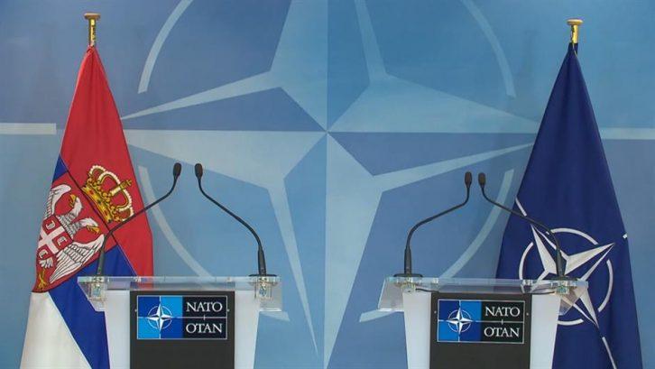 Три четвртини од Србите се против влез во НАТО