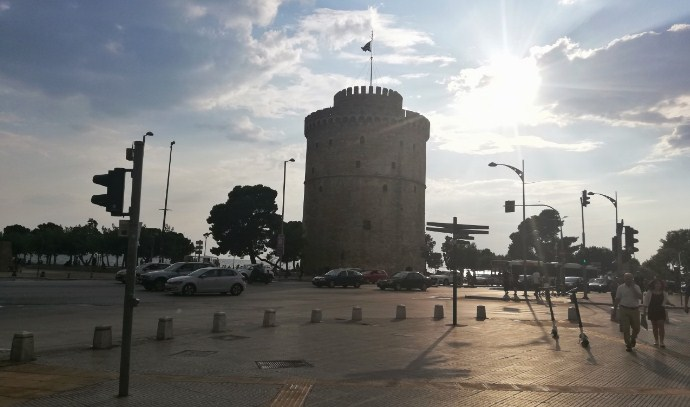 Солун и Серес во целосен двонеделен карантин, отворени ќе бидат само училиштата
