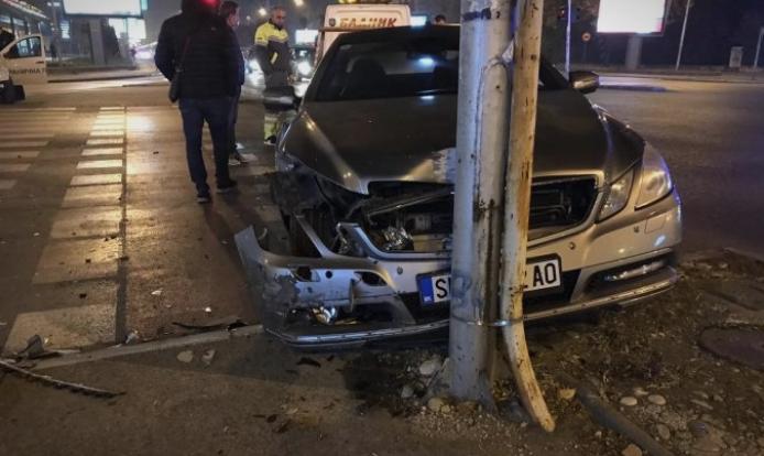 (ФОТО) Тешка сообраќајна  несреќа на крстосницата кај Сити мол