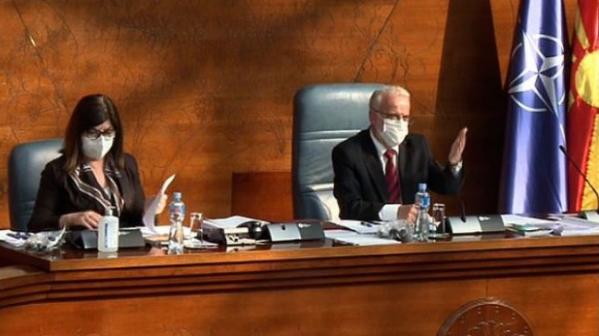 Џафери ја блокира работата на албанската опозиција во Парламентот, обвини Реџепи