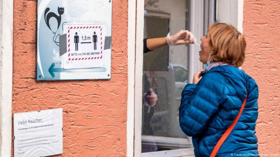 Австрија се подготвува за масовно тестирање на населението