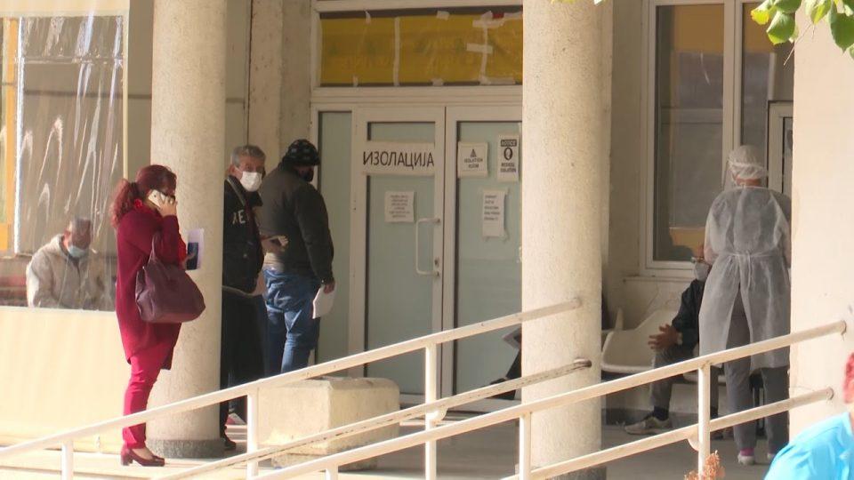 Прилепската болница е преполна, недостасува кадар, градоначалникот се активира и како лекар