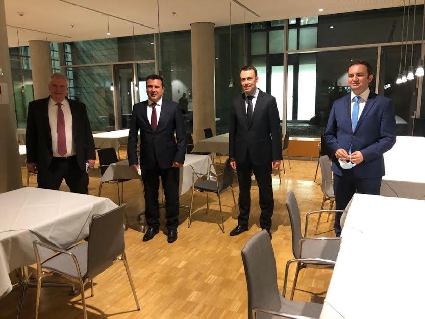 Заев и Османи на работна вечера со германски пратеници