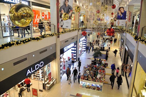 Данска и Словачка за време на божикните празници ќе ги затворат продавниците и моловите