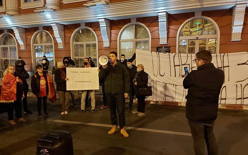(ВИДЕО) Сергеј Попов со обединувачки повик до сите политички подмладоци да се приклучат на протестите