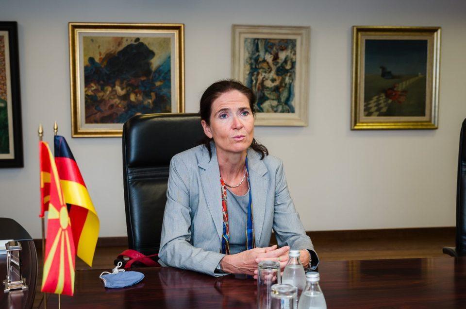 Холштајн: Меѓу Македонија и Бугарија има добрососедски односи, сега се важни реформите и Европа да се донесе во Македонија