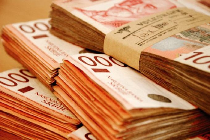 Просечната плата во Србија е речиси 530 евра