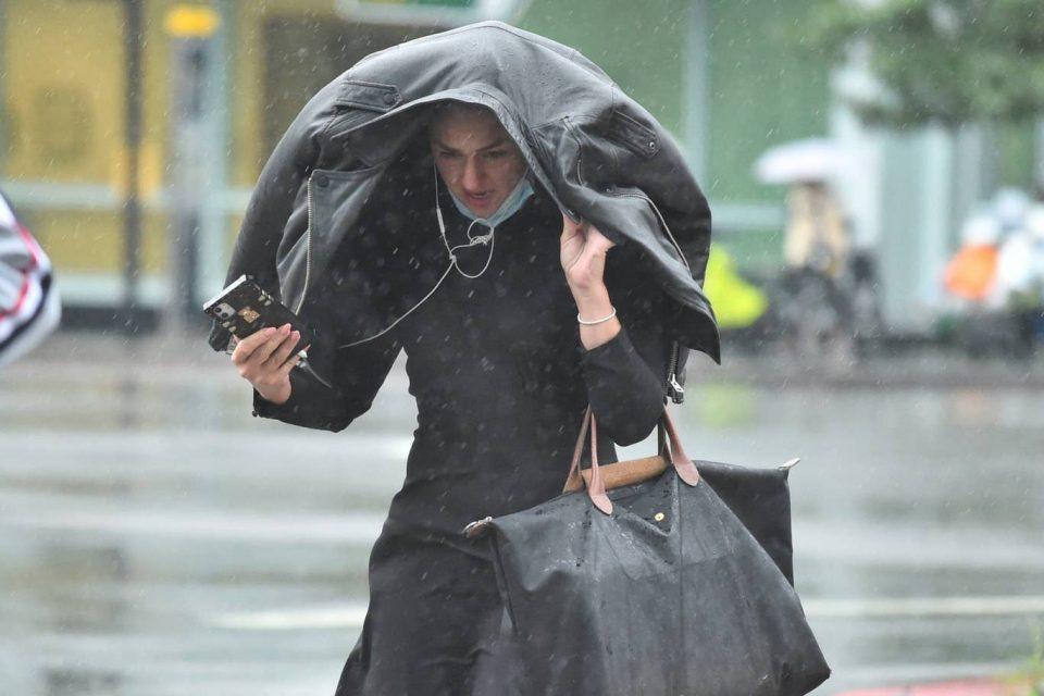 Утре циклонска активност од Медитеранот: Вечерта и ноќта интензивни врнежи