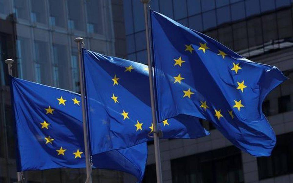 Премиерите на шест земји-членки на ЕУ бараат итен Самит за распределбата на вакцините