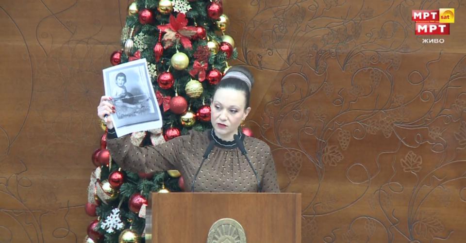 Мизрахи покажа фотографии од убиени роднини, Заев вели дека и тој може да биде квази патриот