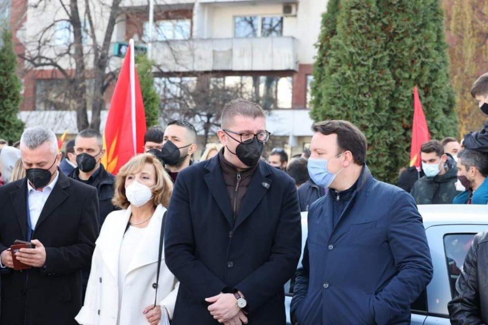 Николоски: Продолжуваме сплотени во одбрана на македонските национални интереси