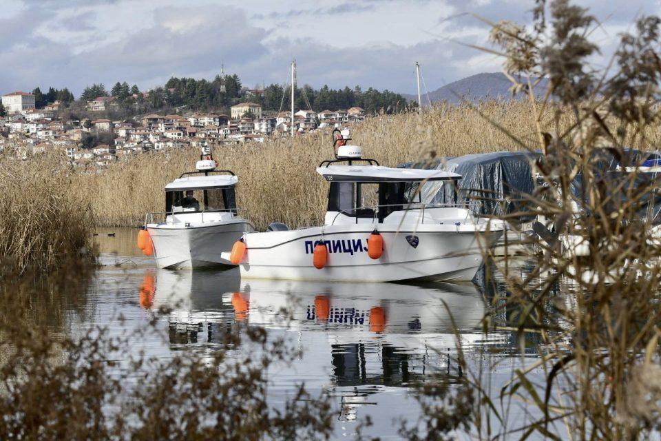 (ВИДЕО) Набавени пет пловни објекти на езерската полиција