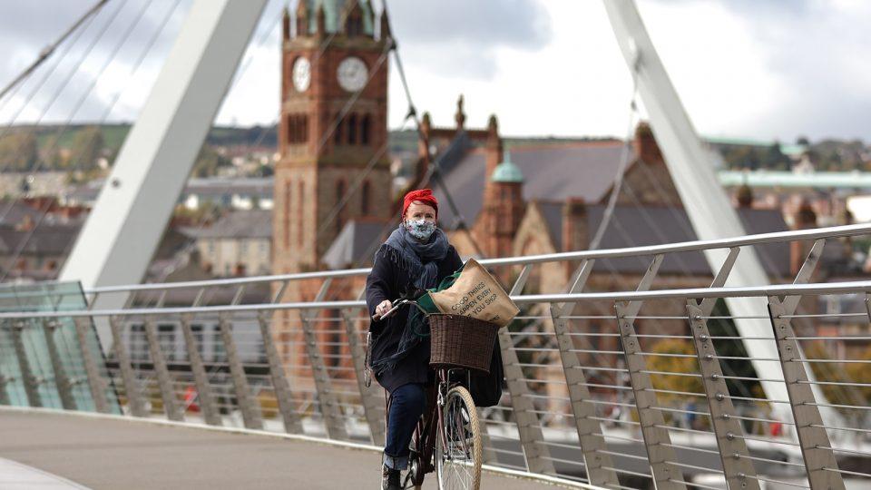 Новиот вид на коронавирус се шири во Ирска, заострување на мерките