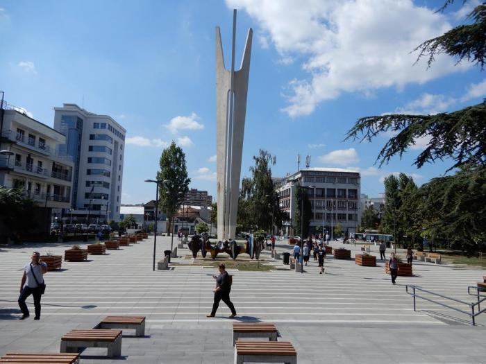 Доброволно тестирање за Ковид-19 на плоштадот во Приштина