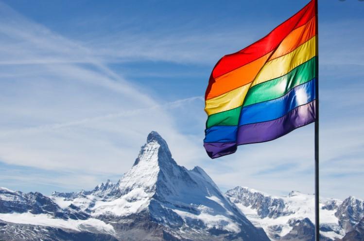 Швајцарија: Парламентот одобри брак за истополови парови