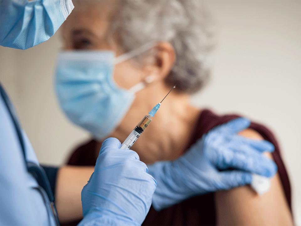 """Швајцарскиот""""Свисмедик"""": Мала е веројатноста вакцината да ја предизвикала смртта на лицето"""