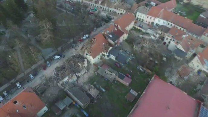 Хрватското МВР објави снимки од воздух по земјотресот во Петриње