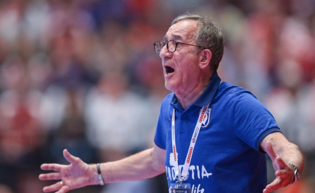 Хрватска изгуби, Червар поднесе оставка