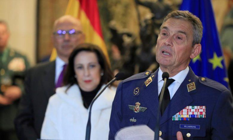 Началникот на ГШ на шпанската војска поднесе оставка, обвинет дека се вакцинирал преку ред