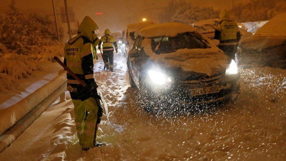 Снежната бура од Шпанија доаѓа кон Балканот – не очекува поларен студ