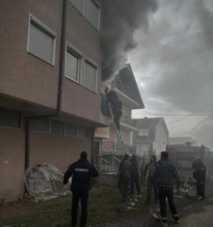 (ФОТО) Пожар во зграда во Гостивар