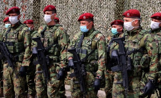 Поплаки од српските војници: Тврдат дека биле принудени да се вакцинираат