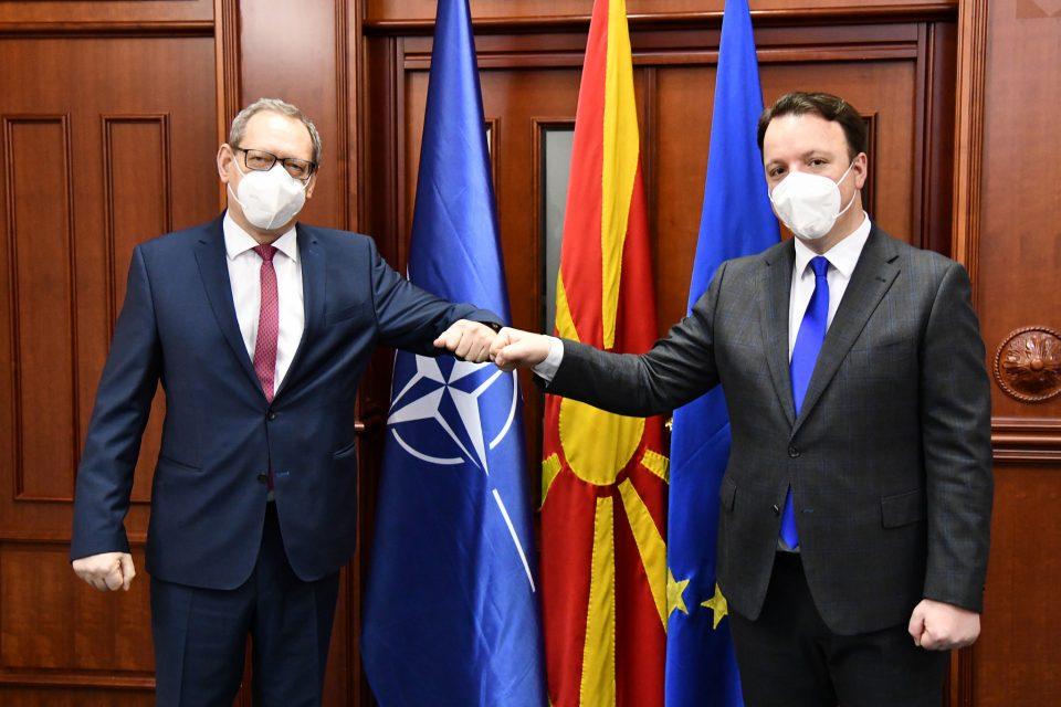 Николоски на средба со полскиот амбасадор Тицињски