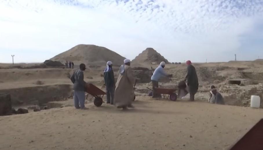 (ФОТО+ВИДЕО) Ново откритие во Египет: Погребен храм и ковчези стари 3.000 години