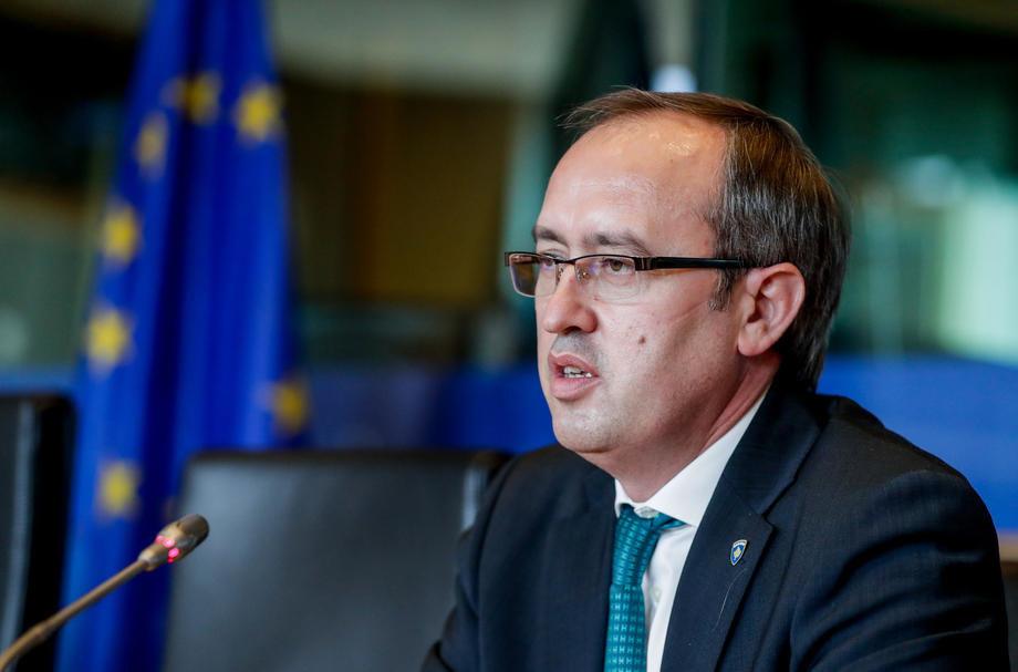 Хоти: Без взаемно признавање Приштина повторно ќе воведе реципрочни мерки кон Белград