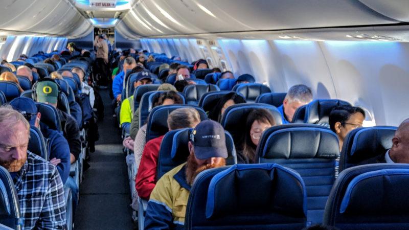 Вратен авион кој летал од Малта кон Италија, поради Бугарка која одбила да носи маска
