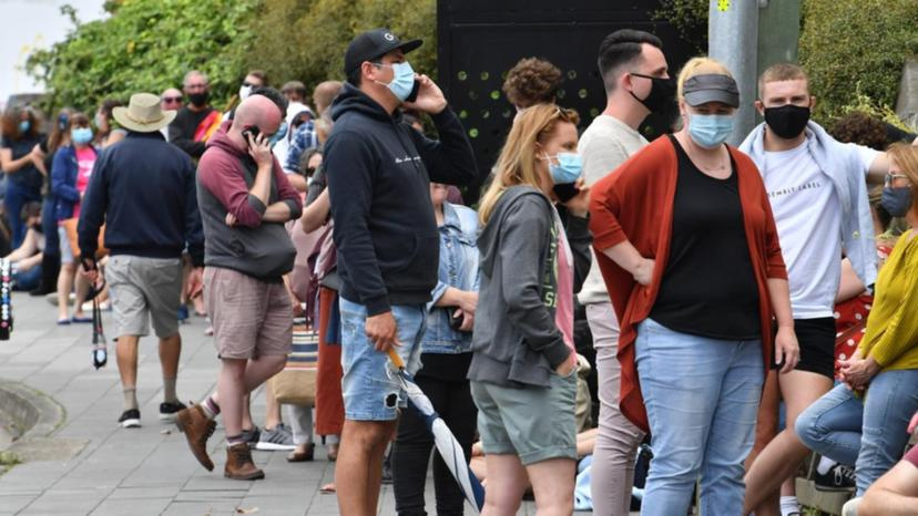 Казна од 50.000 долари за неносење маска воведе Западна Австралија