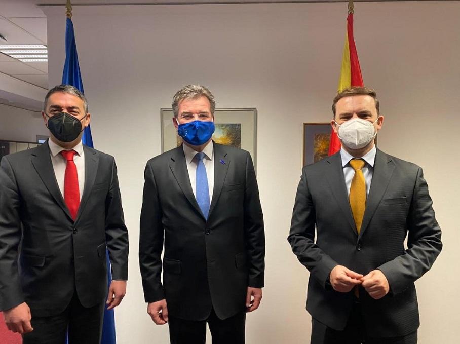 Димитров и Османи на средба со Лајчак: Македонија е подготвена да ги почне преговорите со ЕУ